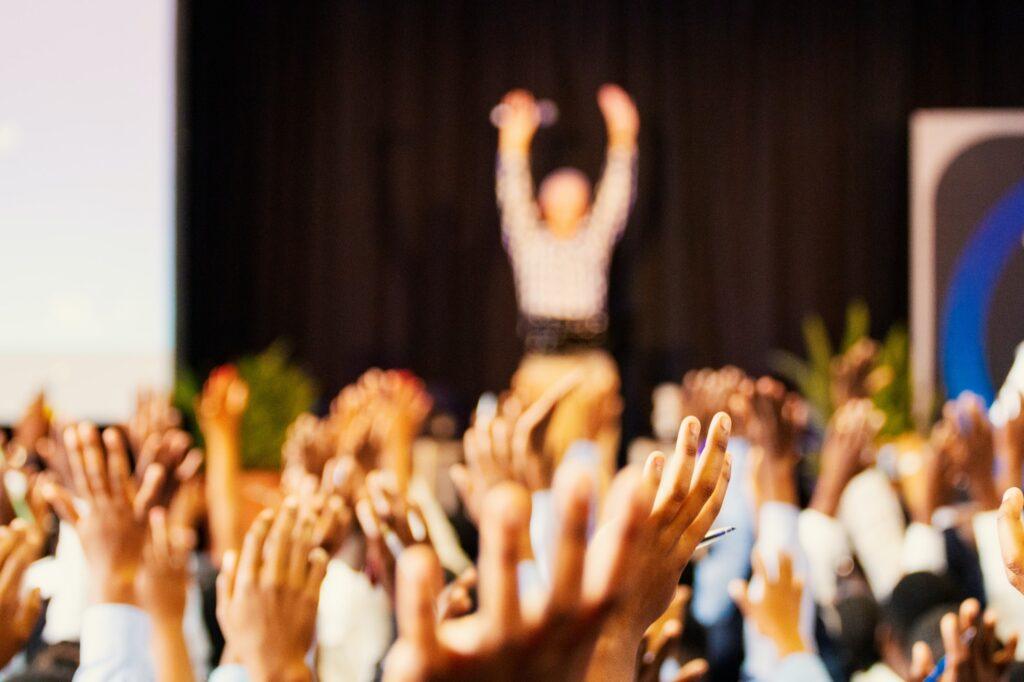 Grupa ludzi, konferencja, spotkanie